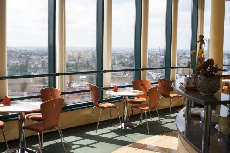 Bufet Pani Bożeny na 13. piętrze budynku PGNiG. Fot. Filip Lisowski